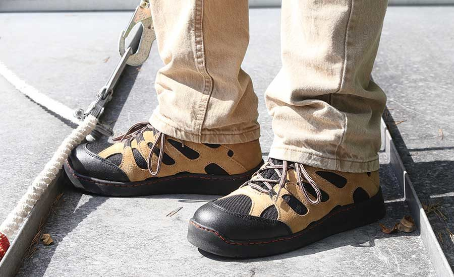 On The Prowl With Cougar Paws Steelwalker Boots 2018 10 25 Roofing Contractor