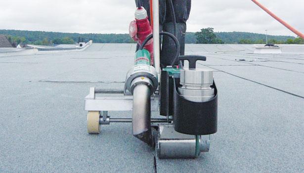 Modified Bitumen Sheet Welding Open Flame Vs Hot Air
