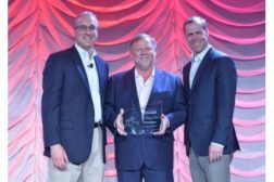 Owens Corning 2015 Platinum Contractor award recipients