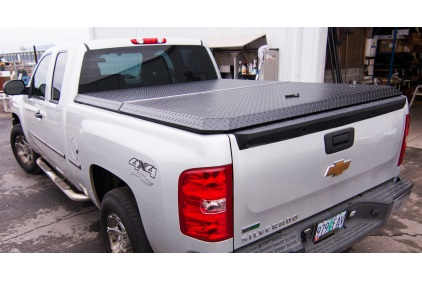 Feature_Highway-Products-Truck-Tonneau-Cover.jpg