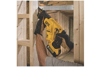 Feature_DEWALT-Cordless-Recip-Saw-DCS387P1_A6.jpg
