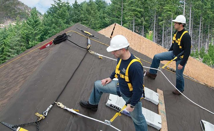 Roofers On A Roof - eNews728